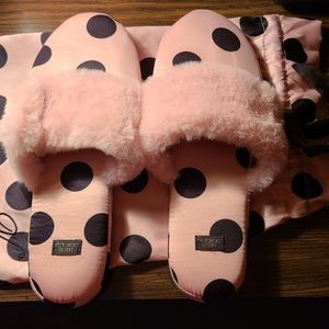 NWOT Victoria Secret House Slippers